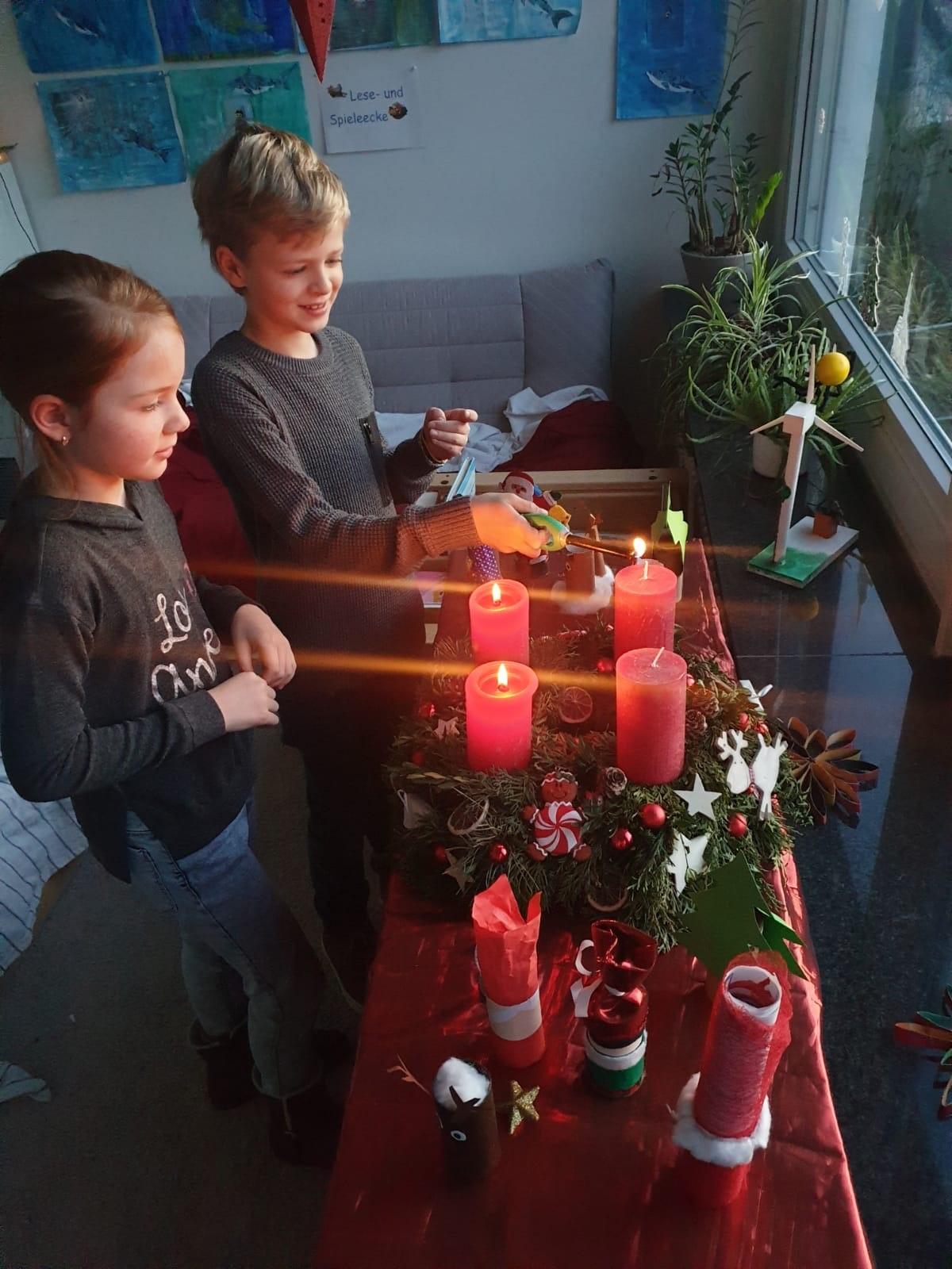 Weihnachtsstimmung in den Klassen