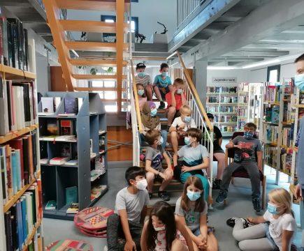 Büchereibesuch der Drittklässler in Aidlingen